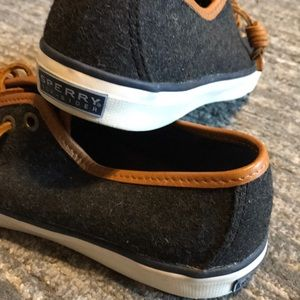 Sperry Shoes - Sperry Top-Sider Shoes in like new condition